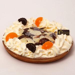 Abrikozenvlaai met slagroom van Bakkerij Floor van Lieshout
