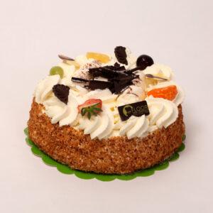 Slagroomtaart met chocolade en vers fruit van Bakkerij Floor van Lieshout