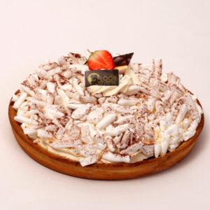 Kersenvlaai met schuim en slagroom van Bakkerij Floor van Lieshout