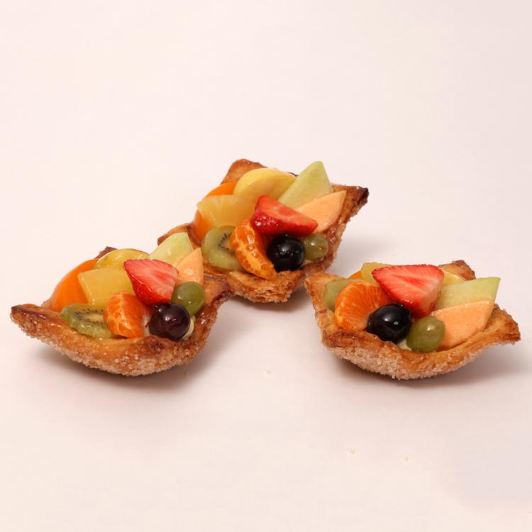 vers fruit vruchtenvlaaitje op krokante bodem van bakkerij floor van lieshout