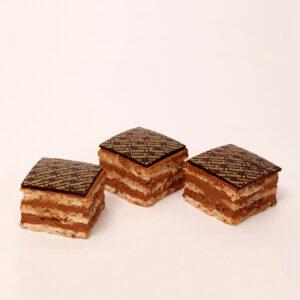 Tilburgs toepertoetje van chocolade en schuim van bakkerij floor van lieshout