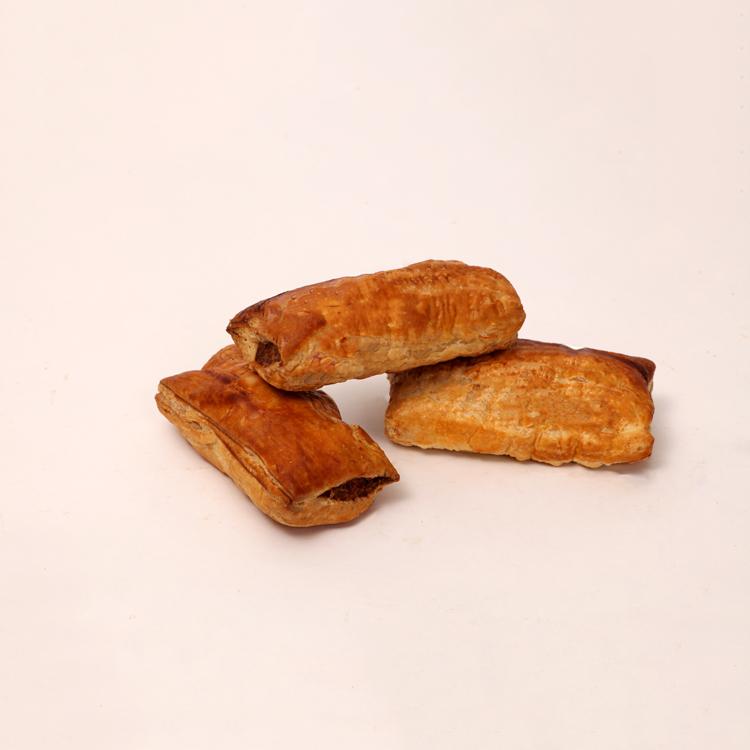 pittig gekruid saucijzenbroodje volgens oud familierecept van bakkerij floor van lieshout